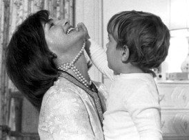 159074-jackie-kennedy-and-jfk-jr